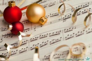 Enjoy listening these Christmas songs of all time!